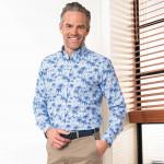 Chemise droite coton et lin imprimé palmiers col boutonné